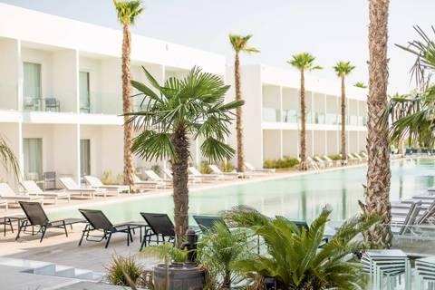 White Dreams Resort