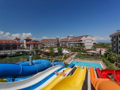 PrimaSol Hane Family Resort