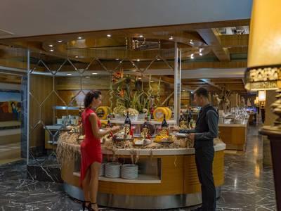 Royal Dragon Hotel - verpflegung