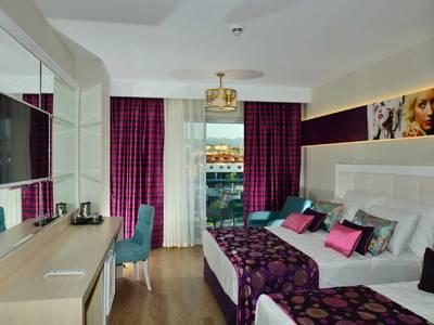 Azura Deluxe Hotel - zimmer