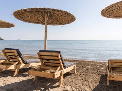Epos Luxury Beach Hotel - lage