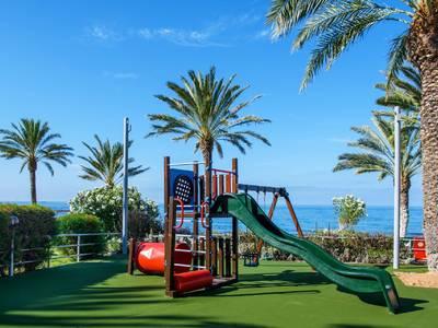 Constantinou Bros Athena Beach Hotel - kinder