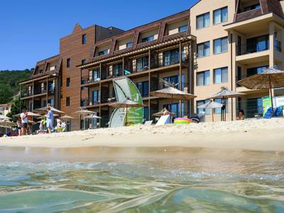 Effect Algara Beach Club Hotel - lage